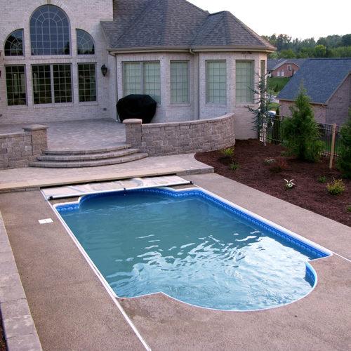 17-pools-outdoor-covers-unique-shape-roman-pool-toptrack