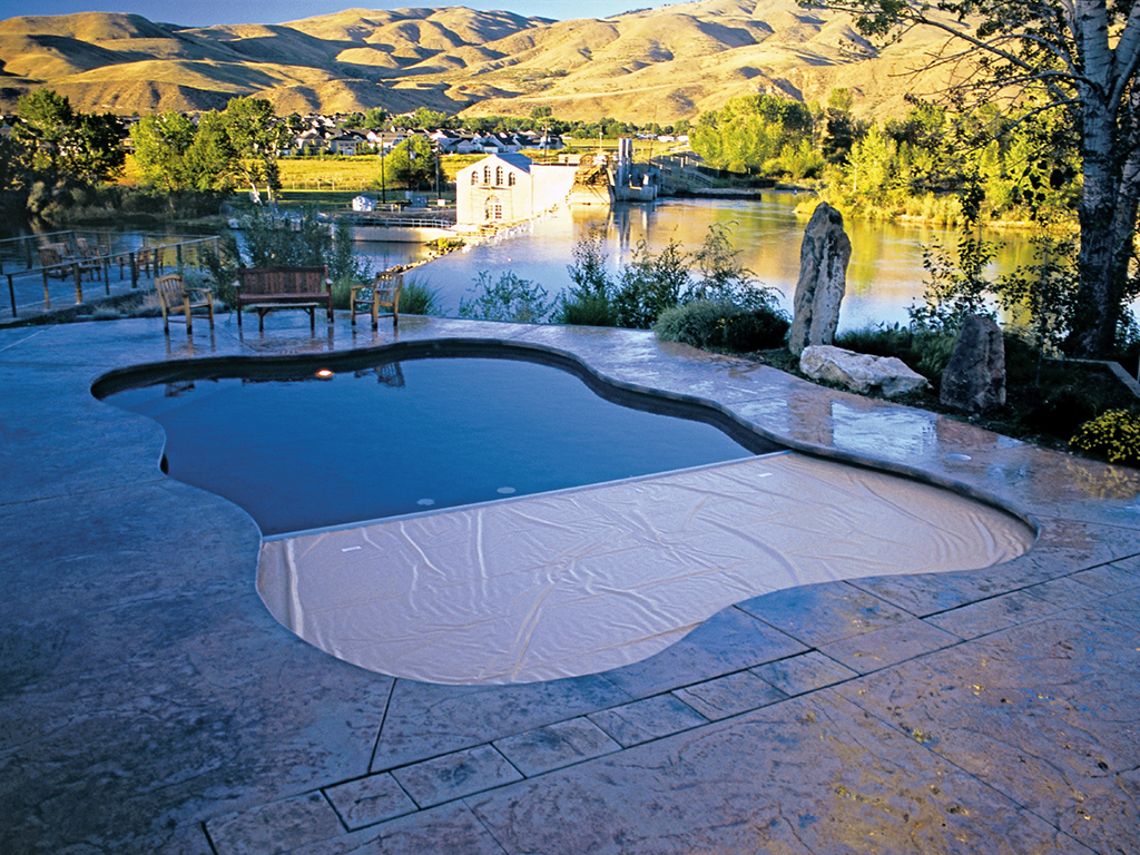 3-outdoor-unique-shape-cover-pool-recessed