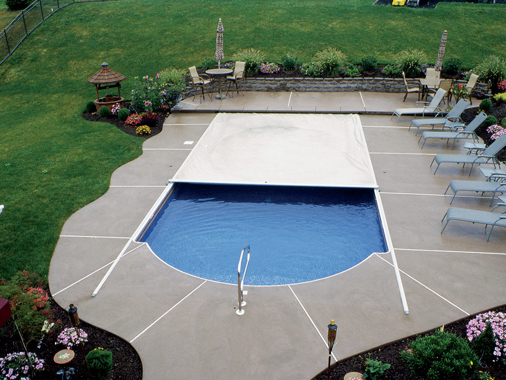 Swimming Pool Coverage : Cover any type of pool pools